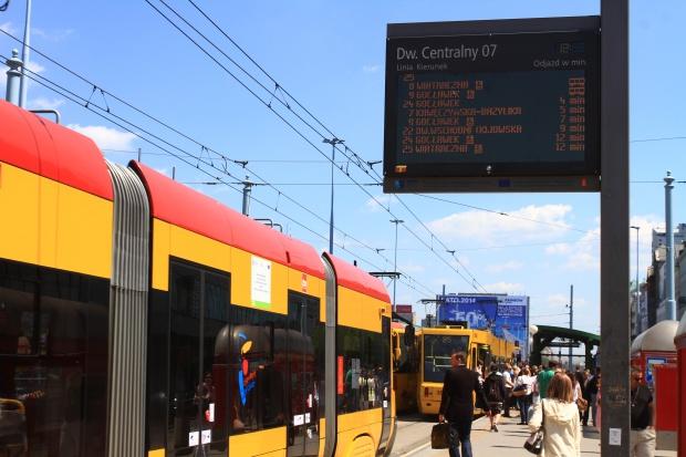 Warszawa: dni z darmową komunikacją sposobem na smog?