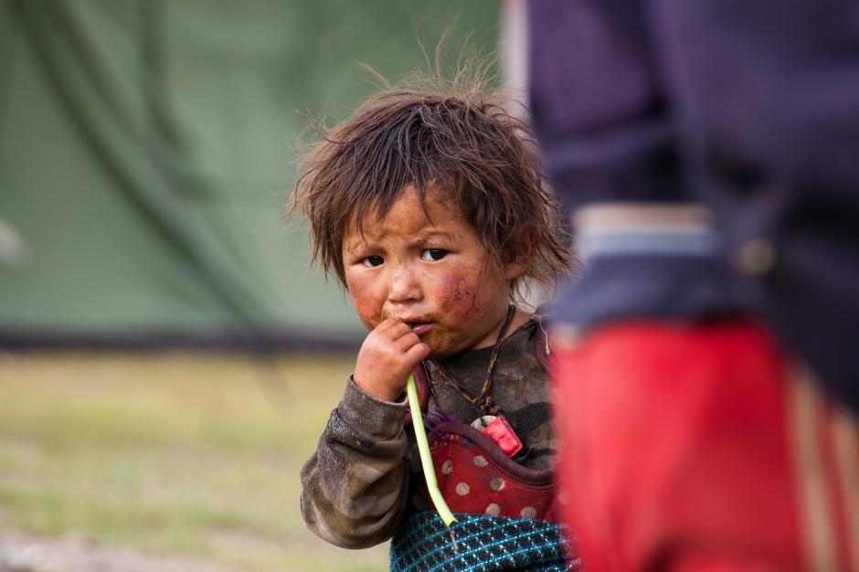 UNICEF: zdrowie 3 mln dzieci w Nepalu zagrożone