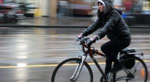 """Lekarz: jadąc rowerem w korku wdychamy """"całą tablicę Mendelejewa"""""""
