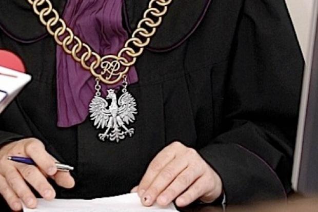 Sąd: zdjęcie martwego płodu w granicach konstytucyjnego prawa
