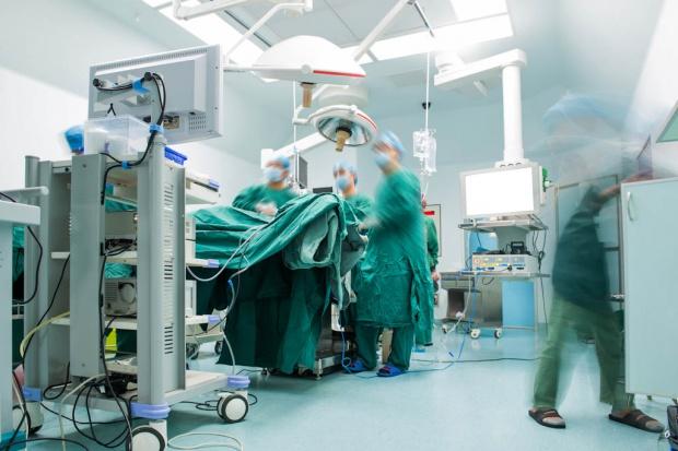Specjaliści alarmują: w Polsce spada liczba przeszczepów