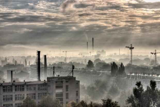 WHO: 92 proc. ludzi na świecie oddycha zbyt zanieczyszczonym powietrzem