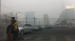 Ekspert: smog jest szczególnie niebezpieczny dla małych dzieci
