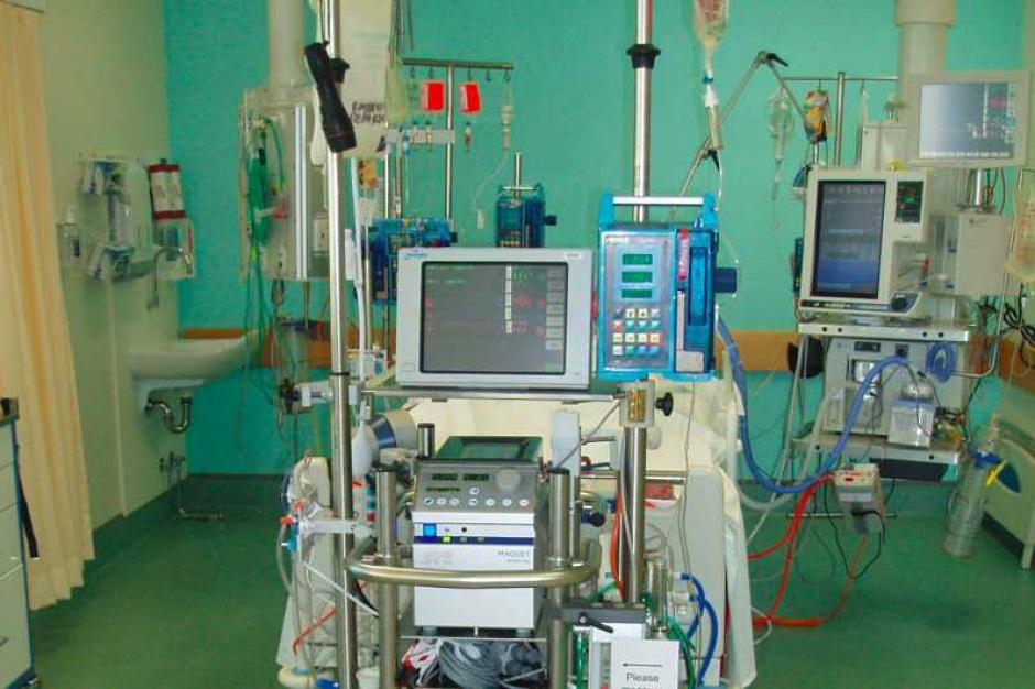 Opole: walczą o życie pacjenta w głębokiej hipotermii