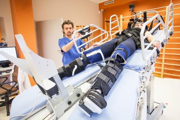 Katowice: nowy sprzęt do rehabilitacji w szpitalu geriatrycznym
