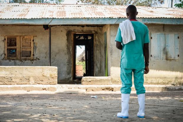 Badania: epidemię Eboli rozprzestrzeniła mała grupa osób