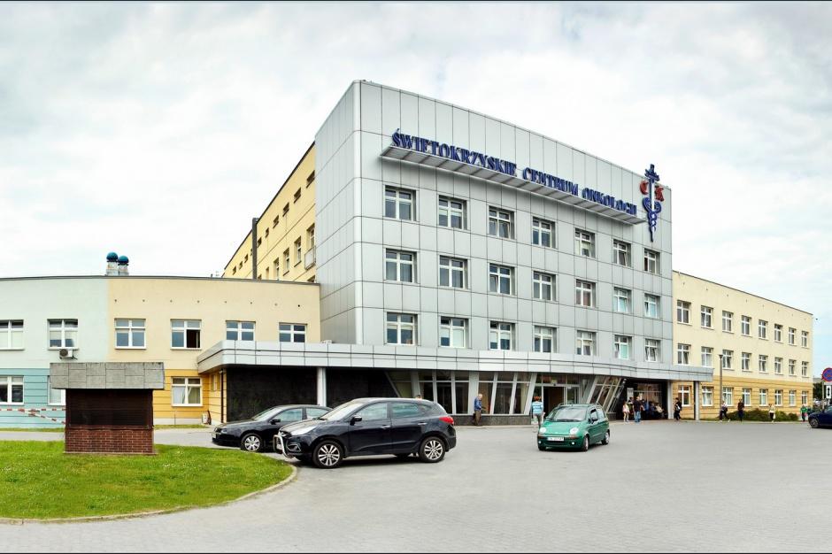 Kielce: trzech lekarzy ŚCO z koronawirusem, zawieszone przyjęcia