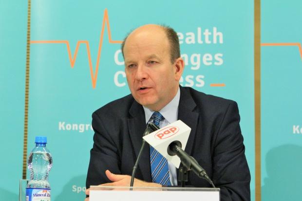 Radziwiłł: od lipca stopniowy wzrost najniższych wynagrodzeń w służbie zdrowia