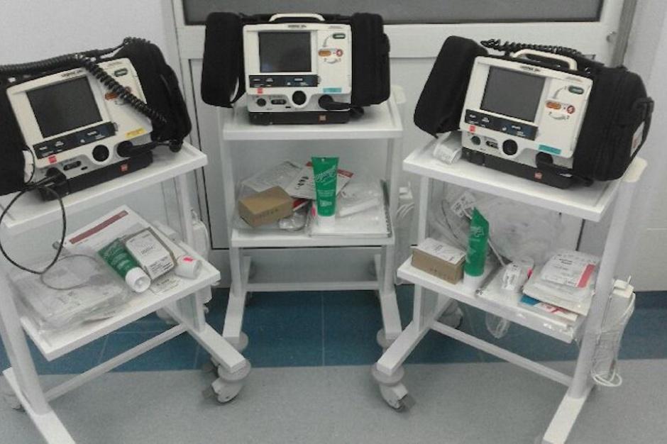 Podkarpackie: Caritas Polska przekazała do kilku szpitali defibrylatory