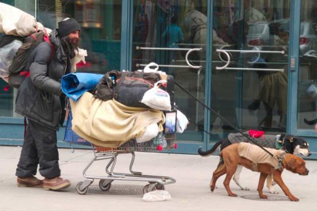 Śląskie: wzrosła liczba bezdomnych, są wśród nich dzieci