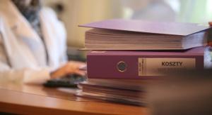 NFZ wymaga od pracodawców POZ poświadczania nieprawdy ws. podwyżek dla pielęgniarek?
