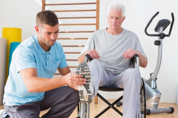 Podstawą opieki geriatrycznej powinna być rehabilitacja. W Polsce nie jest