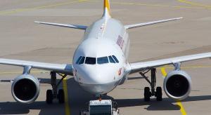 USA: wyproszona z samolotu, bo 2-letni syn nie chciał założyć maski