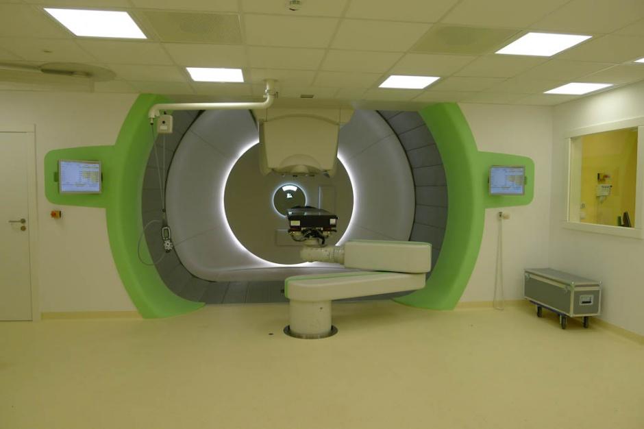 Jedna opinia blokuje refundowanie przez NFZ radioterapii protonowej