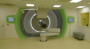 Kraków: centrum protonoterapii chce leczyć więcej pacjentów z nowotworami