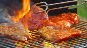 Grillowane mięso zamarynowane w ciemnym piwie ma mniej substancji rakotwórczych