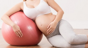 Ciężarne wolą zapłacić za opiekę przy porodzie?