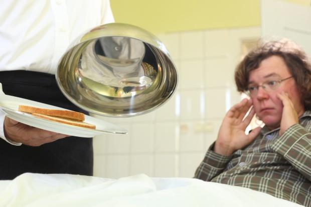 NIK: posiłki szpitalne złej jakości, zamiast pomagać - szkodzą