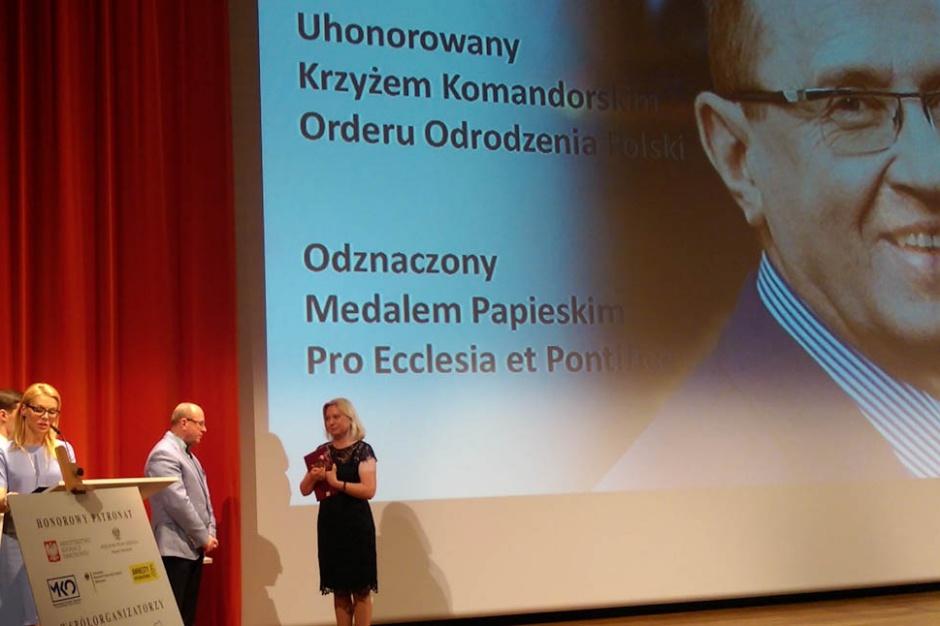 Prof. Skarżyński został nagrodzony statuetką Nieobojętnych
