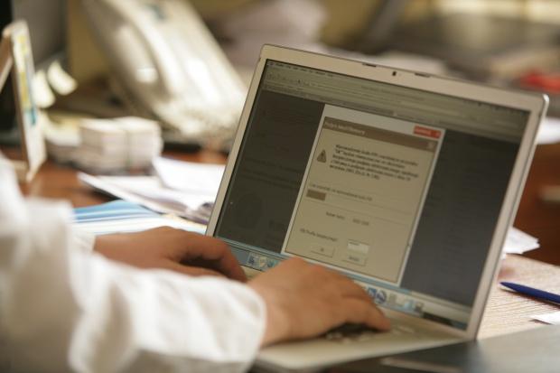 Rafalska: nie ma odwrotu od e-zwolnień