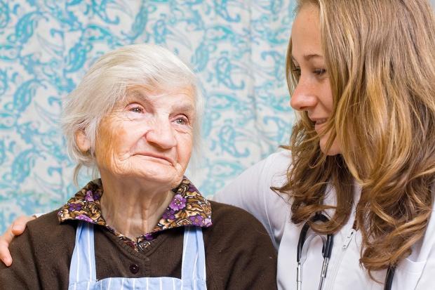 Wyższe stawki dla lekarzy rodzinnych za leczenie starszych pacjentów