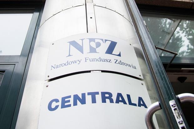 NFZ dementuje doniesienia o nagrodach dla pracowników