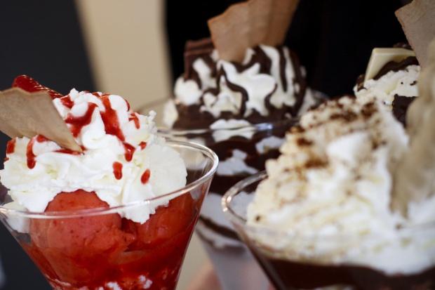 Ekspert: słodzimy mniej, ale cukru i tak zjadamy więcej
