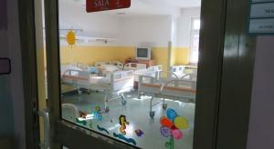 Kraków: w szpitalu dziecięcym ubędzie 10 proc. łóżek. Minister sprawdzi, dlaczego