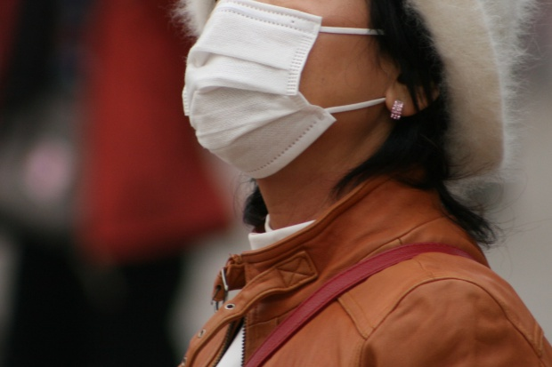 Radziwiłł o smogu: maseczki mało skuteczne, niewychodzenie z domu - bezpodstawne