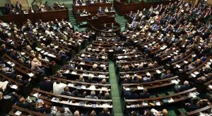 Sejm: sieć szpitali wróciła do sali plenarnej i podzieliła posłów