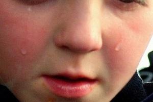 Badania: skład chemiczny łez zależy od przyczyny ich powstawania