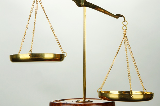 Sądy obnażają omijanie prawa przez firmy parabankowe
