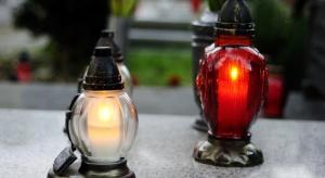 Rząd: decyzję w sprawie cmentarzy w dniu 1 listopada zostawiamy na...