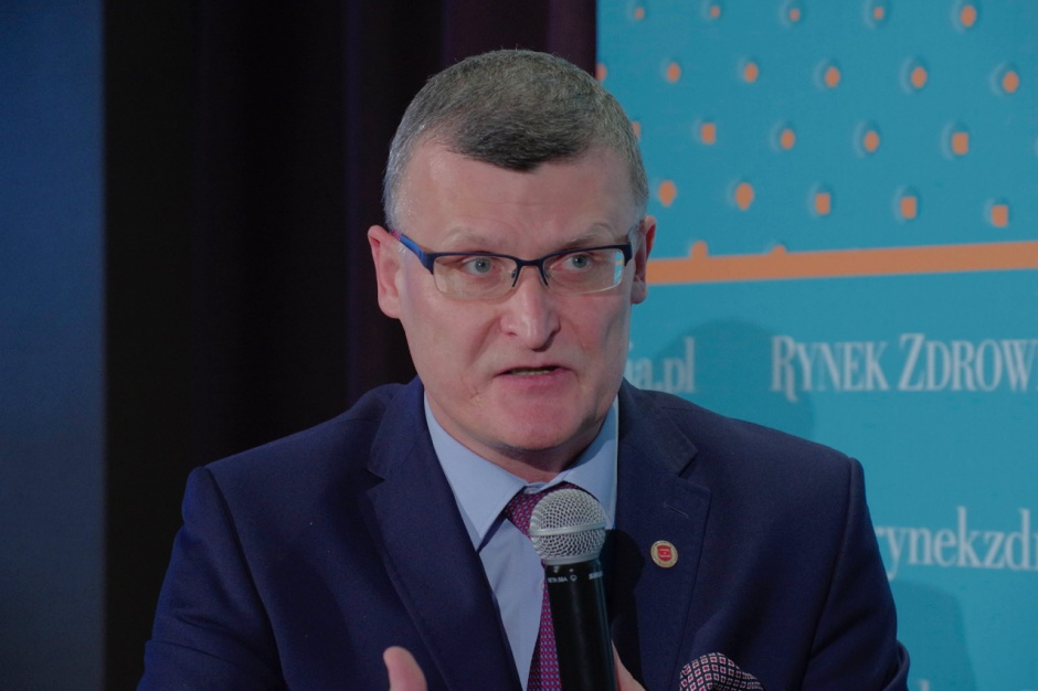 Grzesiowski: lęku przed szczepieniami nie pokonamy podawaniem statystyk