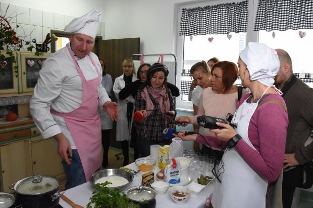Warsztaty kulinarne i książka z przepisami dla chorych onkologicznie