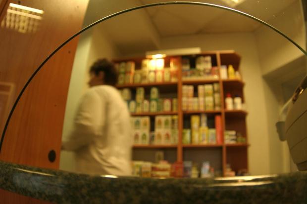 """""""Apteka dla aptekarza"""" - zgrzyta w projekcie; komisja za odrzuceniem w całości"""