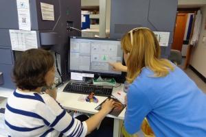Immunoonkolodzy z WUM szkolą się w europejskich ośrodkach