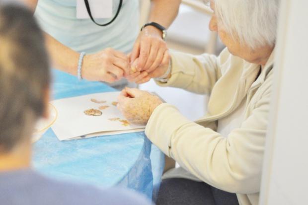 Wrocław: ruszyła placówka wspierająca chorych z demencją