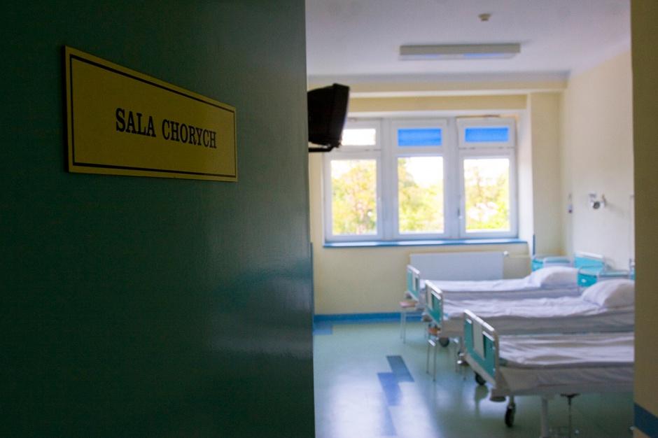 Salowe uciekają ze szpitali