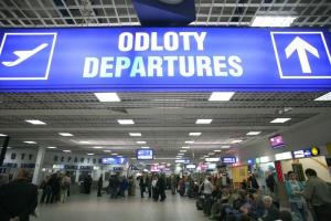 Śląskie: pasażerowie bedą mogli odebrać kartę EKUZ na lotnisku Katowice