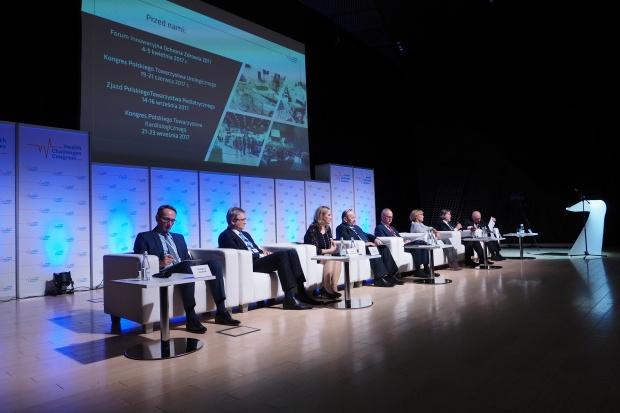 Emocjonujące dyskusje pierwszego dnia II Kongresu Wyzwań Zdrowotnych (wideo)