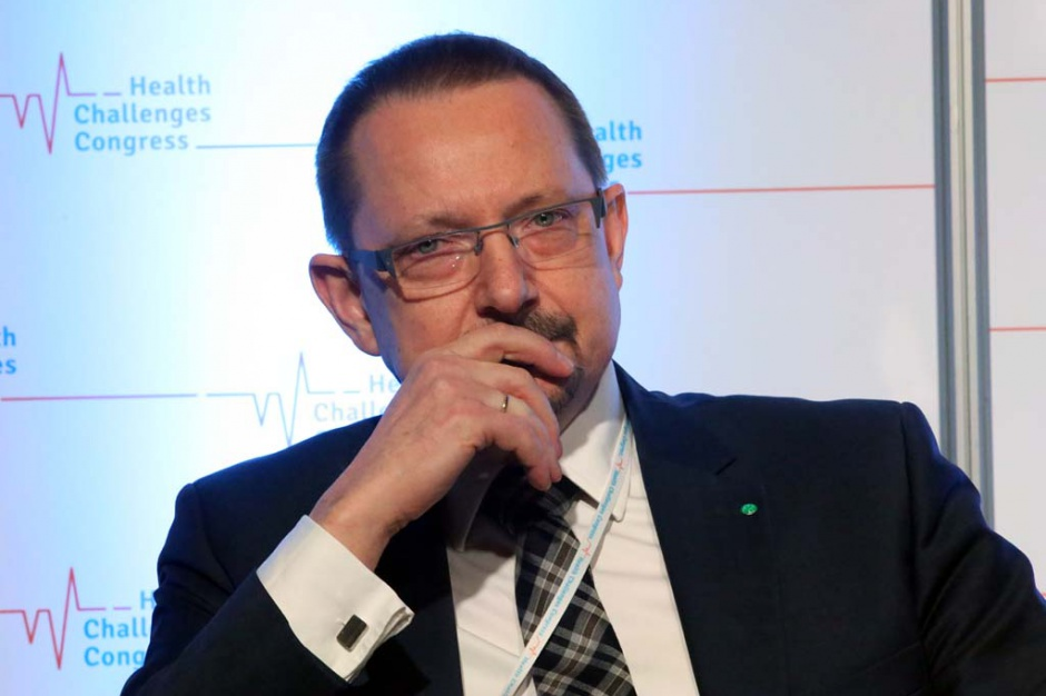 Jacek Krajewski: równe szanse dla poradni AOS w konkursach