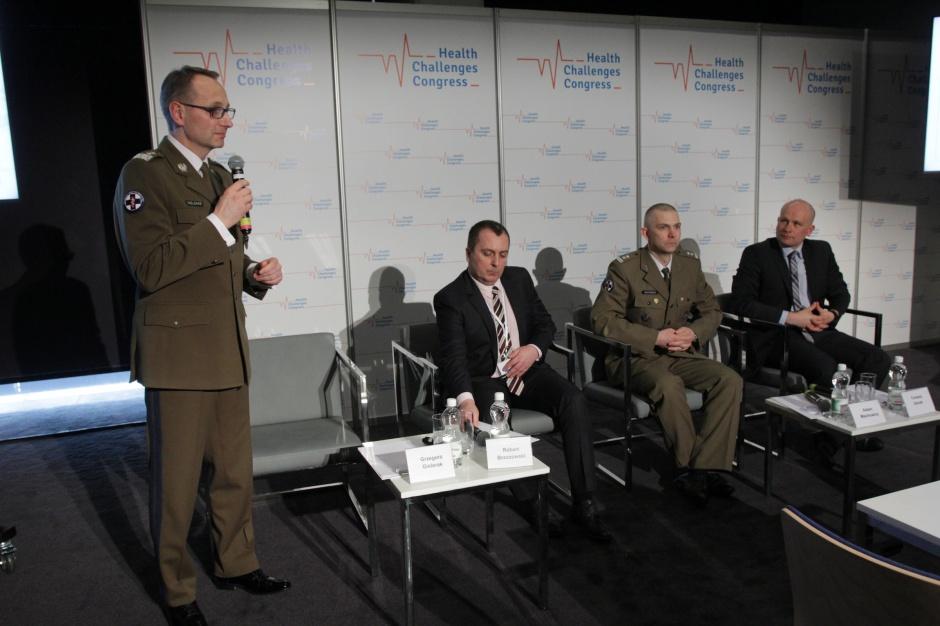 Co wojskowi specjaliści radzą ratownikom medycznym i lekarzom?