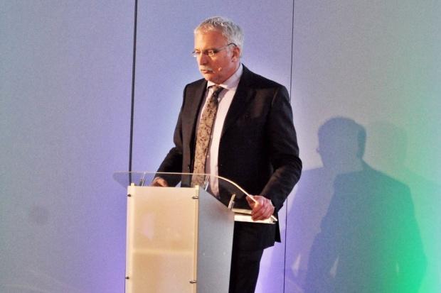 Prof. Ralf Gold: w leczeniu SM liczy się czas