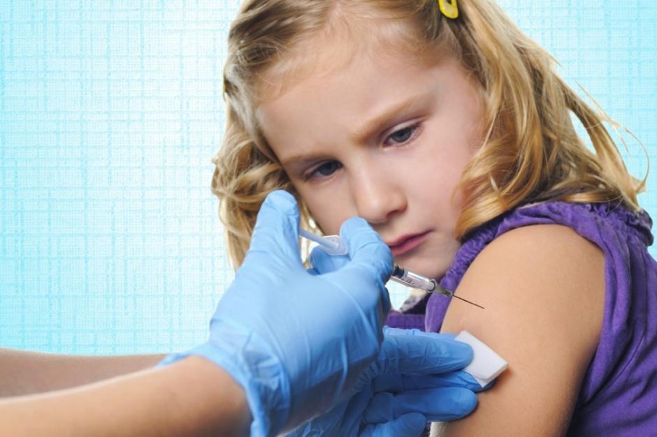 Młodzi Kanadyjczycy chcą się szczepić, nawet wbrew rodzicom