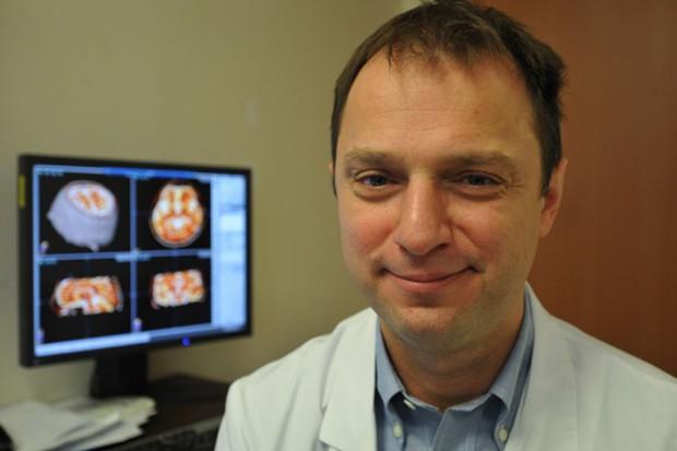 Ekspert: operujemy nieproporcjonalnie mało chorych na parkinsona