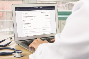 MZ: projekt poszerzenia obowiązku elektronicznej dokumentacji na opis badań lekarskich