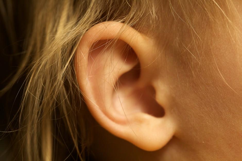 USA: aplikacja na smartfony pomoże wykryć  zapalenie ucha środkowego