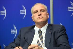 Szef śląskiego NFZ: sztywny podział środków dla placówek w sieci i poza nią - to nieprawda