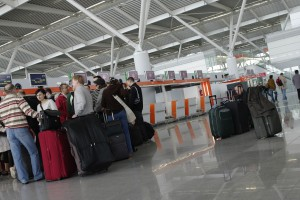 Urząd Lotnictwa Cywilnego o zasadach bezpieczeństwa na lotniskach i w samolotach